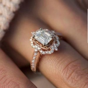 Very Elegant White Sapphire Rose Gold Ring